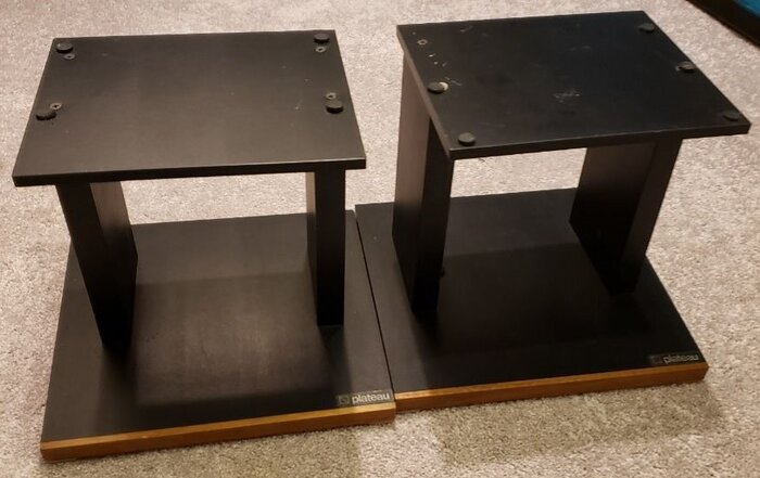 plateau speaker stands wanted to buy.jpg