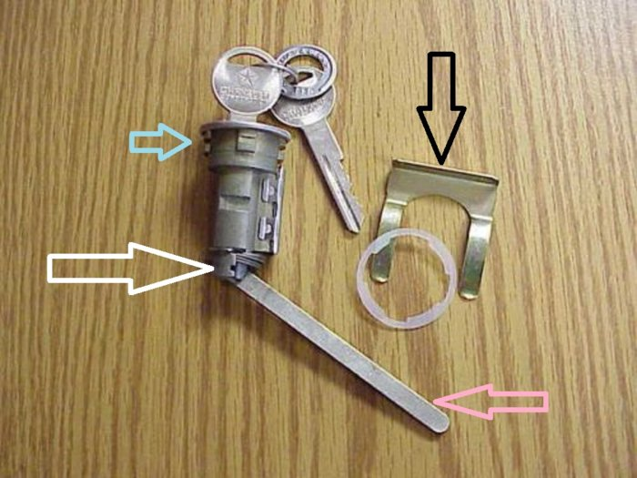 Trunk Lock b.jpg